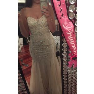 Dresses & Skirts - Sparkly prom dress